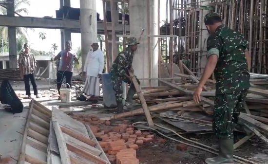 KODIM 0111/BIREUEN KARYA BHAKTI DALAM RANGKA MENYAMBUT HUT TNI KE-73