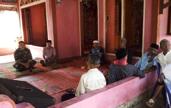 Babinsa Koramil 05/Kuala Baru Hadiri Musyawarah Adat Desa
