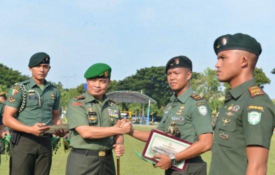 Pangdam IM Berikan Penghargaan Kepada Prajurit Berprestasi