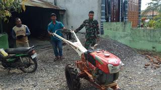 Koramil 06/Manggeng Pinjamkan Hand Traktor Kepada Petani