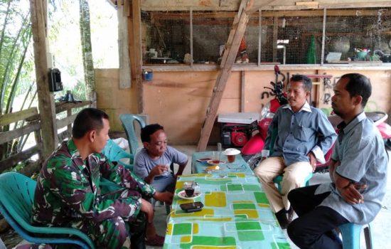 Babinsa Koramil 05/Beutong Ajak Warga Jaga Keamanan Lingkungan