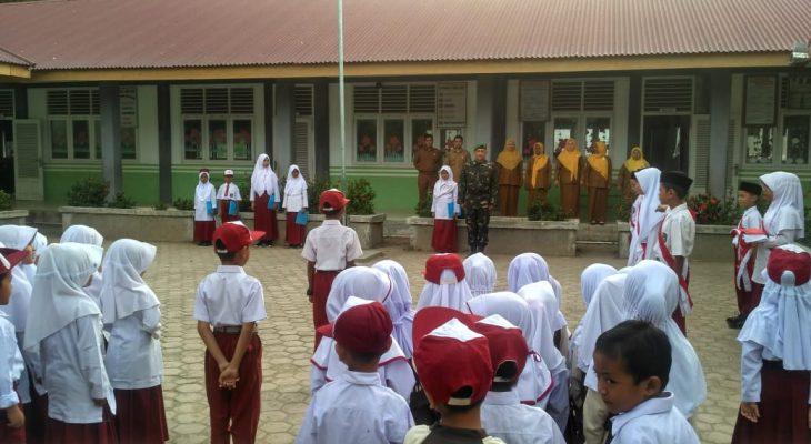 Serda Hefsi Pembina Upacara di SDN 3 Indra Jaya