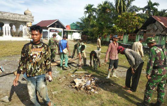 Kodim Aceh Jaya Gelar Karya Bakti Bersihkan Fasilitas Umum