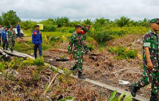 Usai Komsos, Anggota Koramil 08/Bakongan  Lanjutkan Patroli dalam Mencegah Karhutla