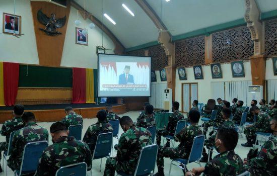 Personil Denmadam IM Mengikuti Jalannya Pidato Kenegaraan Presiden RI Dalam Rangka Memperingati Hari lahirnya Pancasila