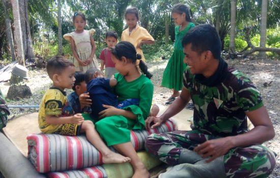 Keakraban dengan anak-anak, Obat Pelepas Lelah Anggota Satgas TMMD Kodim Nagan Raya
