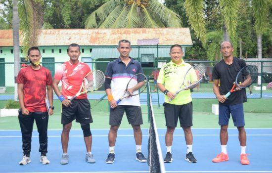 Tim Pangdam IM/Fredi Juarai Turnamen Tenis Internal Kodam